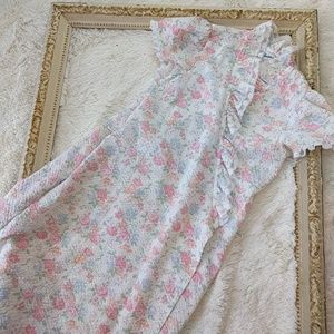 Vintage Floral ruffle 1970s House Coat Robe size s